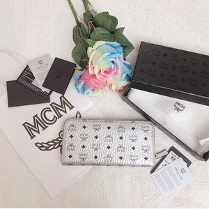 BNIB MCM zip around silver Visetos large wallet